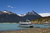 Pleasure boats on the glacial lake — Stock Photo