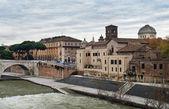 Damm von dem fluss tiber, rom — Stockfoto