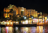 Hilton Eilat Queen Of Sheba Hotel at night — Stock Photo