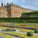 Hampton Court Palace, London — Stock Photo #30873051