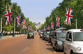 Traditional London taxis, black cabs — Stock Photo