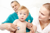 Doctor listen the babyboy with stethoscope. — Stock Photo