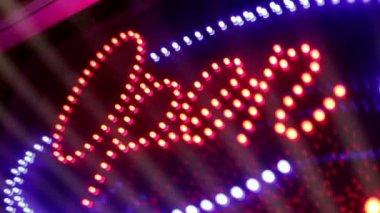 Miga światło neon znak otwarte. — Wideo stockowe