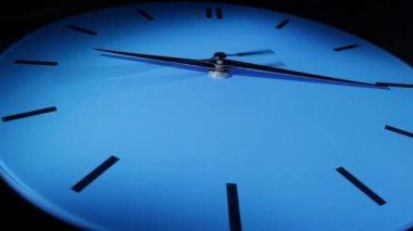 ブルーの時計です。時間の経過 — ストックビデオ