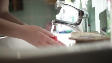 Washing Hands. Cleaning Hands. Hygiene. Close up. — Stock Video