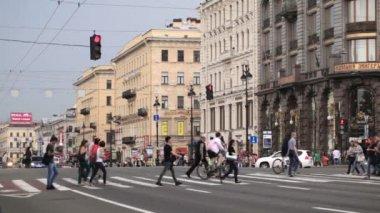 Crosswalk in St. Petersburg — Stock Video