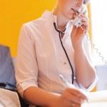Nurse is speaking on the phone — Stock Photo