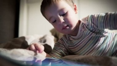 Child Using Touch Pad — Stock Video
