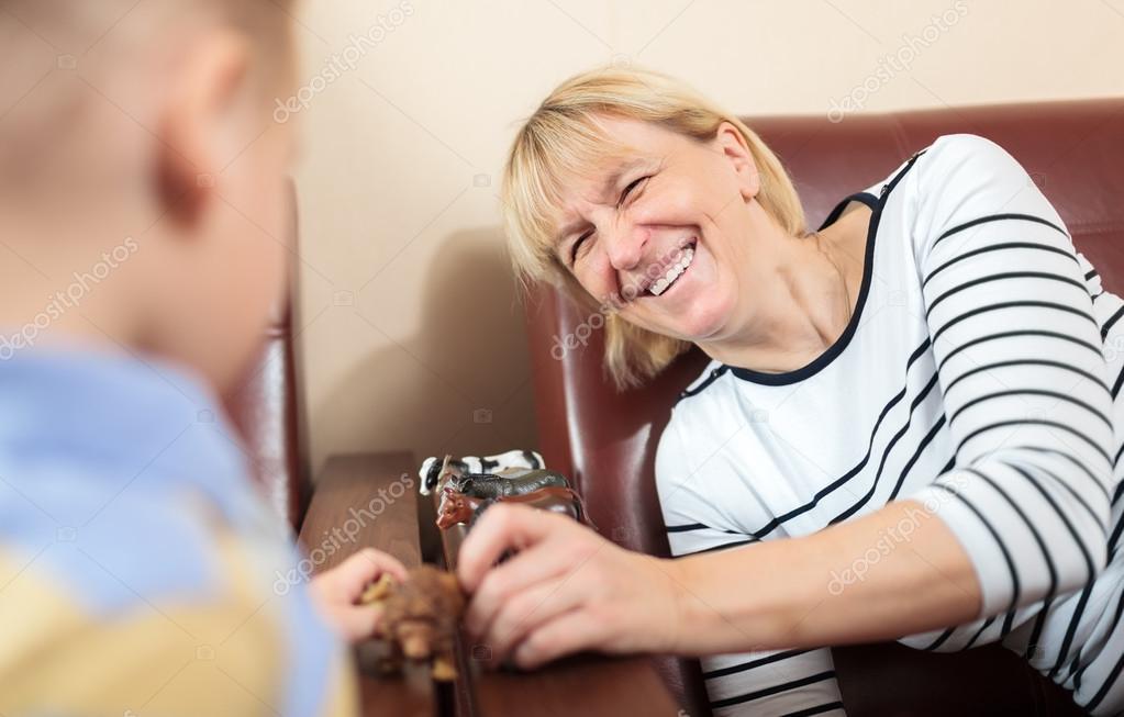 Бабушка с молодыми фото 193-473