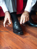 Man tying the laces — Stock Photo