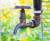 Rusty tap water — Stock Photo
