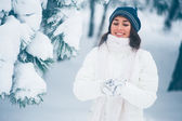 зимой девушки — Стоковое фото