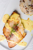 Grilled halibut — Stockfoto