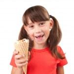 petite fille avec la crème glacée à la main — Photo