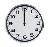 墙上的时钟显示 12 个 o — 图库照片