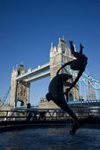 Statue by the Thames — Stock Photo