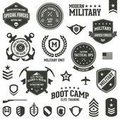 Distintivi militari — Vettoriale Stock