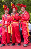 Chinese men singing in Zhuang ethnic Festival — Stock Photo