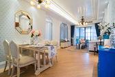 Interior casa clásico de lujo — Foto de Stock