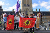Cree youth walkers arrive in Ottawa — Stock Photo