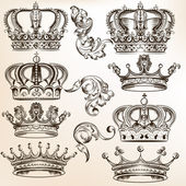 Collection of vector detailed crowns — Stock Vector