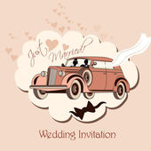 Wedding invitation with retro car, bride and groom just married — Stock Vector