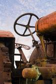 Stary zardzewiały ciągnika — Zdjęcie stockowe