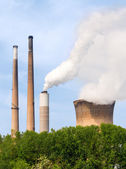 Smoke Stacks and Cooling Tower — Stock Photo