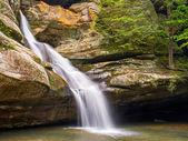 Cedar Falls - Hocking Hills Waterfall — Stock Photo