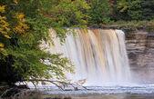 Bovenste tahquamenon falls — Stockfoto
