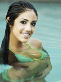 Beautiful woman in swimming pool — Stock Photo