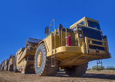 Heavy duty earth moving construction vehicle — Stock Photo