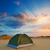 Touristic tent in a evening sand desert — Stock Photo