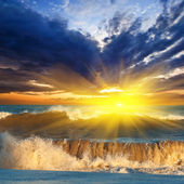 Dramatic sunset over a stormy sea — Stock Photo