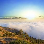 上方山日出 — 图库照片
