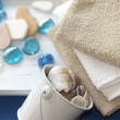 Cotton towels and shells — Stock Photo #13669440
