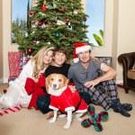 familjen jul i pyjamas — Stockfoto