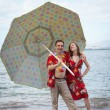 Funny Newlyweds in Hawaii — Stock Photo #17611877