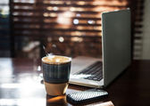 Morning coffee and internet — Foto de Stock