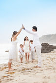 Happy Healthy Family at the beach vacationing in Malibu California — Stock Photo