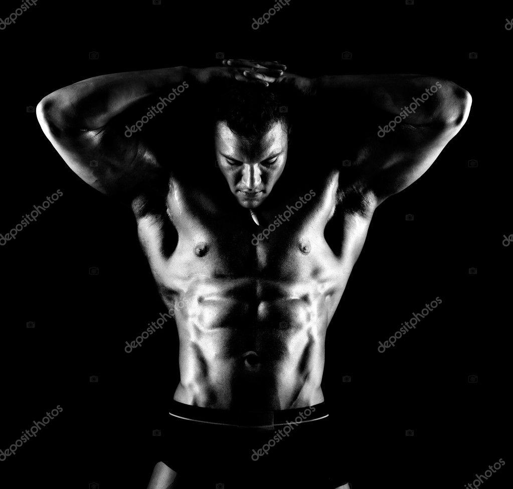 非常肌肉性感帅哥黑色背景