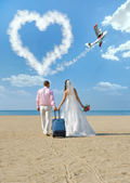 Newly married couple in honeymoon — Stock Photo