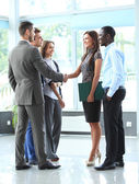 Рукопожатие деловых людей — Стоковое фото