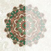 Scheda ornato con motivi floreali ornamentali del cerchio — Vettoriale Stock