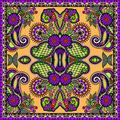 Tradicional ornamental floral paisley bandana. — Vetor de Stock