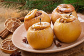 Baked apples with honey and nuts — Stock Photo