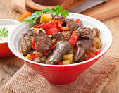 Roast chicken liver with vegetables — Zdjęcie stockowe