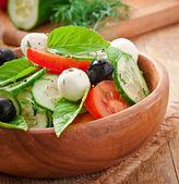 Salada grega vegetal fresca, close-up — Fotografia Stock