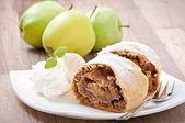Strudel de manzana con helado — Foto de Stock