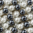 String of black and white pearl - 